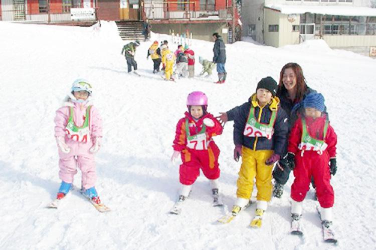 岩木山百沢スキー場 キッズ雪遊び体験