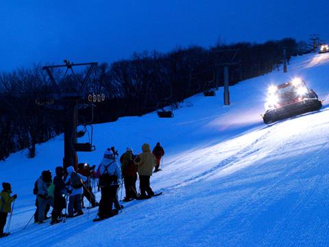 百沢スキー場 除雪車