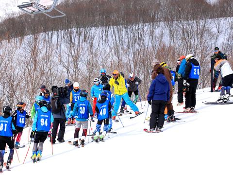 百沢スキー場 スキー教室の様子